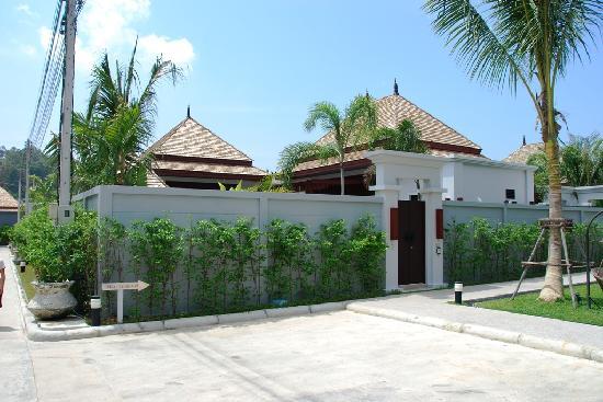 The Bell Pool Villa Resort Phuket : Outside view