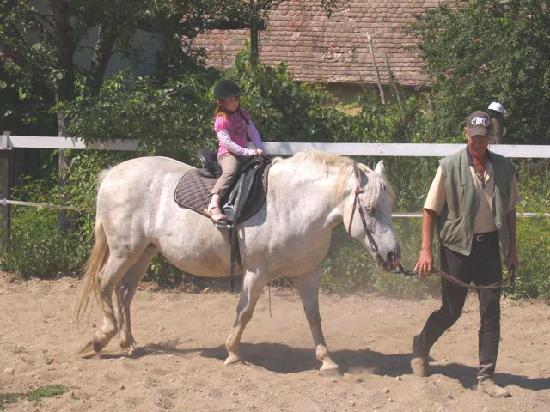 Valea Verde Resort: Isabella bei ihren ersten Ritt