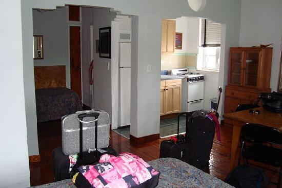Sherbrooke Hotel: hotel room