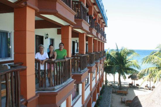 Tamaraw Beach Resort: tamaraw 02