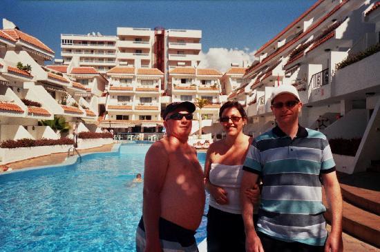 Las Floritas Apartments Pool At