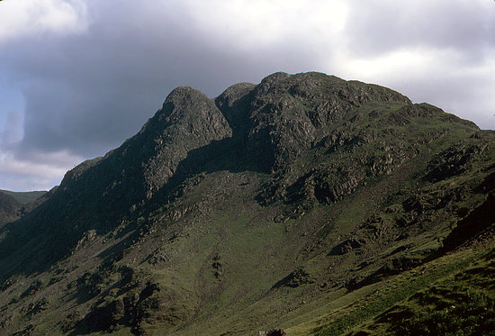 Лейк-Дистрикт (Озёрный край), UK: Haystacks from the slopes of High Crag