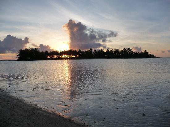 Pacific Resort Rarotonga: Sunrise over the Lagoon