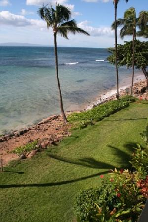 Kanai A Nalu Condominium Resort: View from the lanai