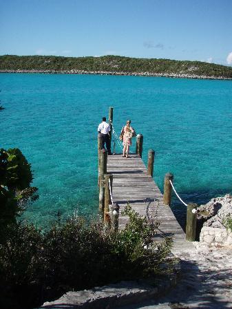 Sampson Cay Club: Private dock