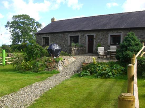 Coed Y Bryn, UK : Dairy Cottage Garden