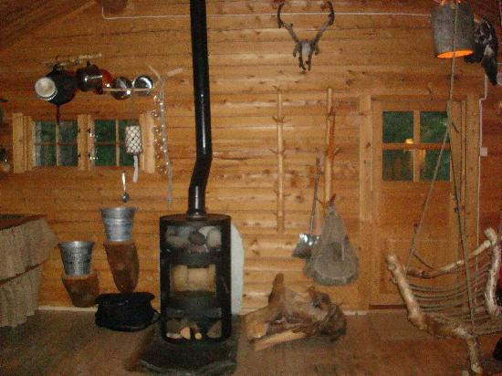 Engholm Husky Design Lodge Karasjok: Chimenea