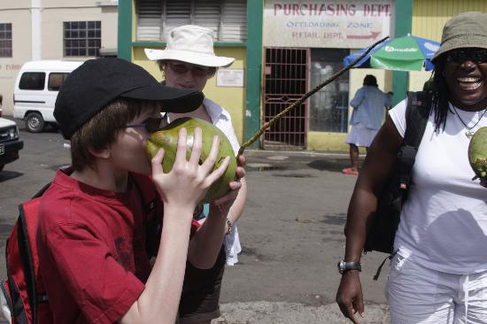 Rainbow Divers Inc. St. Lucia: Showing us how to takle a coconut