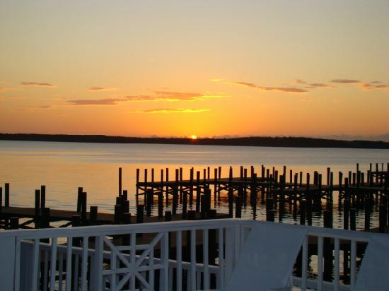 Romora Bay Resort & Marina: sunset!