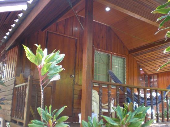 ซิลเวอร์แซนด์บีช : our bungalow