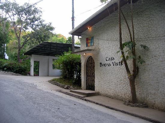 Casa Buena Vista B & B: Street view