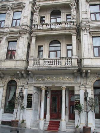 Grand Hotel de Londres: Outside
