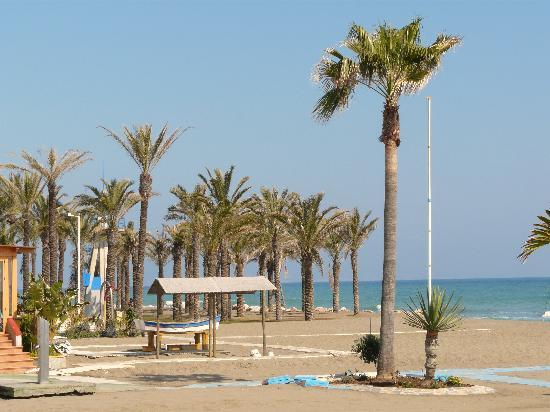 SENTIDO Amaragua: The beach at La Carihuela