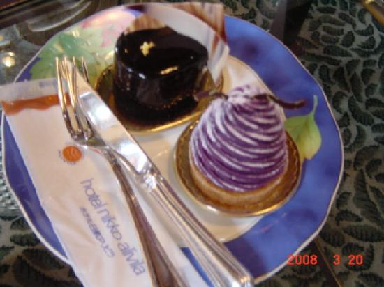 Hotel Nikko Alivila Yomitan Resort Okinawa: ケーキ3。