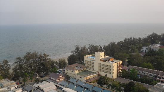 Golden Beach Hotel Cha-am : View from the balcony