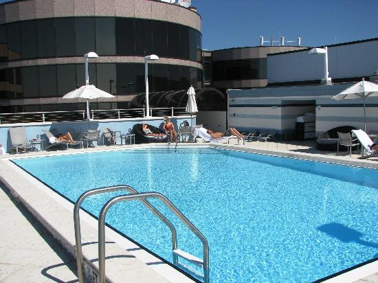 The Westshore Grand, A Tribute Portfolio Hotel, Tampa: The lovely roof top pool