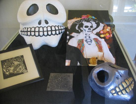 Riverside Metropolitan Museum : interesting display of cultural masks