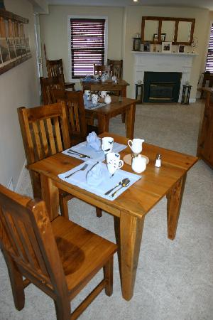 Finlay House: guest dining room