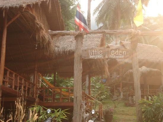 Little Eden Bungalows & Restaurant: Little Eden in the morning