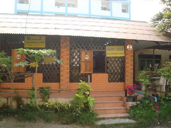 Happy Home Thai Cooking School