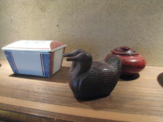 Salon Haraguchi Tenseian : 部屋にある展示作品