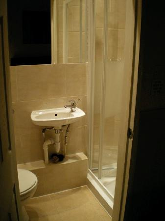 Amarillo: Another bathroom (recently refurbished I think)