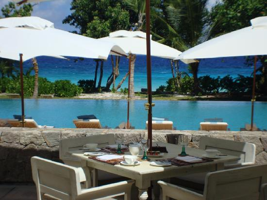 Four Seasons Resort Seychelles: Breakfast at the Kannel restaurant