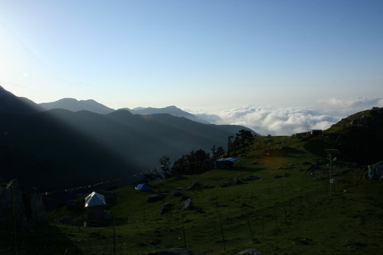 McLeod Ganj, India: Sunrays Triund