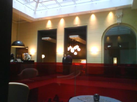 Hotel Palazzo Zichy: Reception Area