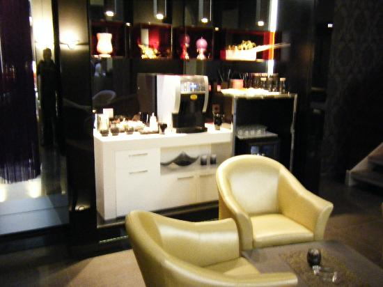 Hotel Palazzo Zichy: Drinks Area