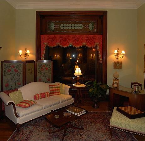 Inn at the Park Bed & Breakfast: Sitting Room