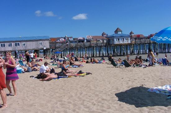 Old Orchard Beach Pier: The Pier with all its little boutiques