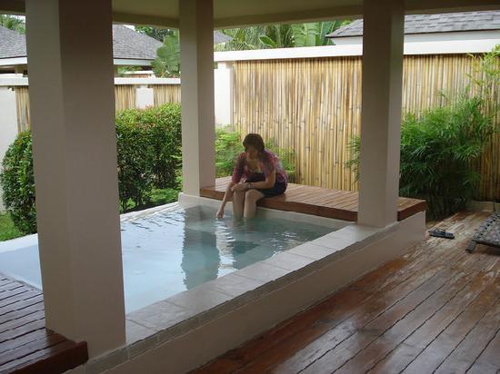 Amorita Resort: private plunge pool