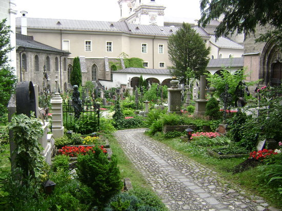 Petersfriedhof: St. Peter's Cemetery