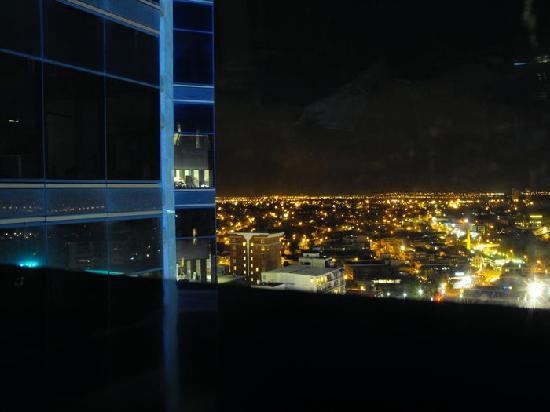 SKYCITY Grand Hotel: view at night