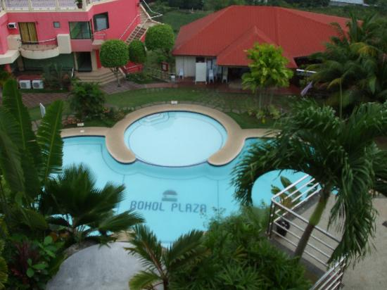 Bohol Plaza Resort: Swimming area