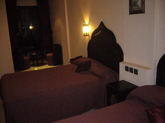 Imperial Plaza Hotel: chambre