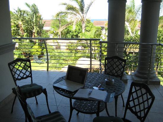 uShaka Manor Guest House: balcony from room