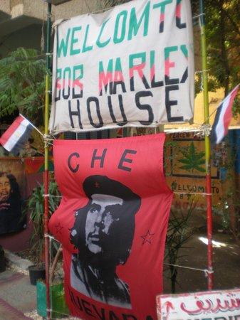 Bob Marley House Hostel: entrace