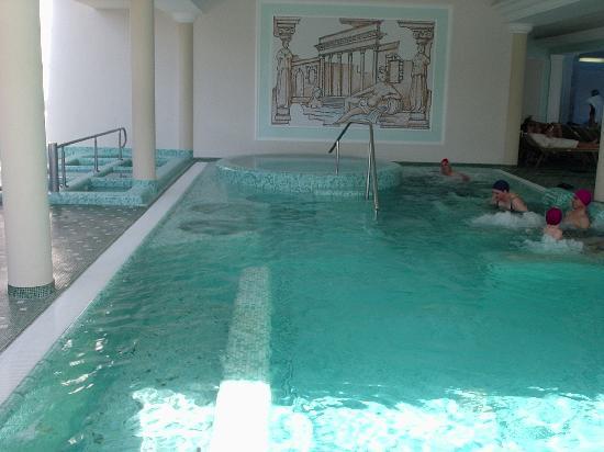 Palace Hotel Meggiorato: la piscina con l'idro