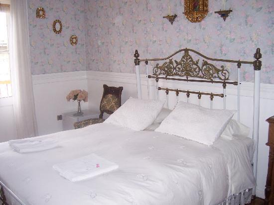 Hostal La Maja: One of the bedrooms
