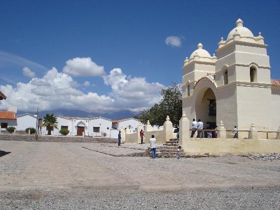 Hacienda de Molinos: Vue a partir de la place devant l'hotel