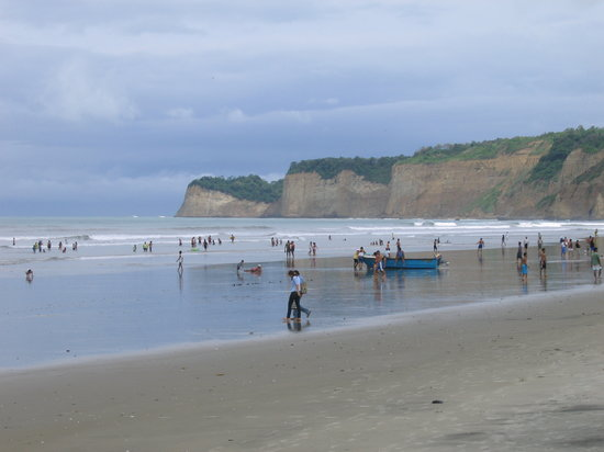 Equador: Beach at Canoa