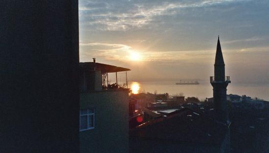 Dersaadet Hotel Istanbul: Marmara Sunrise From Dersaadet