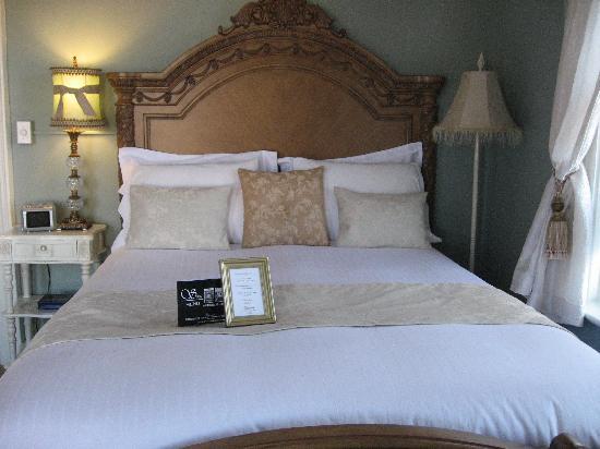 Cavana Inn and Spa: Comfy bed