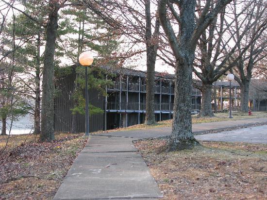 Barren River Lake State Resort Park : Lodge building