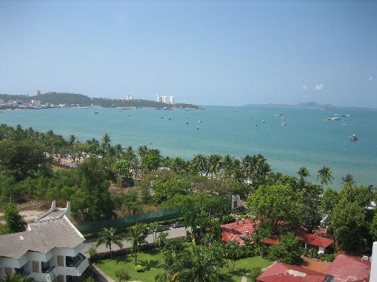 Pattaya Discovery Beach Hotel: our sea view