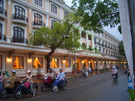 Hotel Saigon Morin: hotel le soir