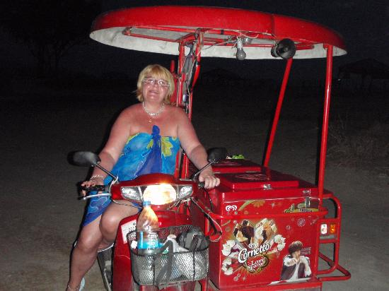 In on the Beach: The ice-cerem lady?!