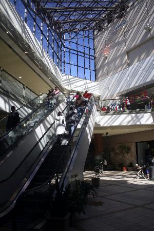 Rideau Centre: Interior #3